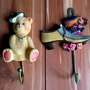 Set of 2 wall hooks,bow teddy bear;shoe floral hat